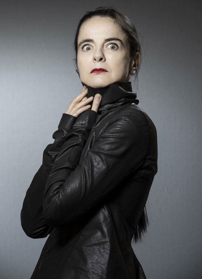 Faut-il crucifier Amélie Nothomb ?